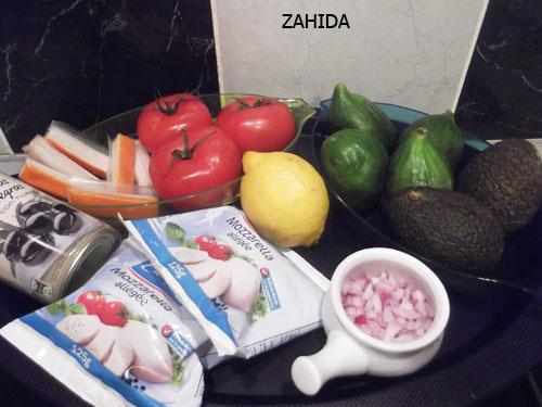 Salade gourmande au vinaigre de dattes dans SALADES dscf5920